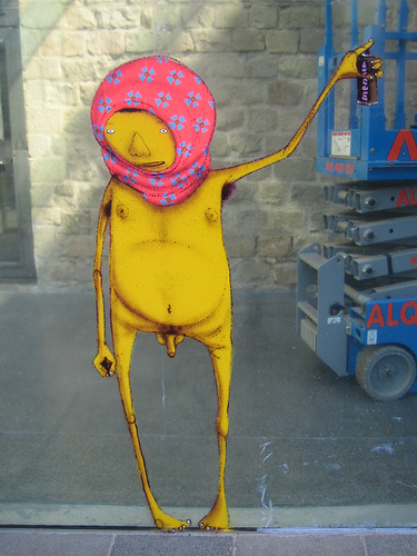 Os Gemeos Sprayer